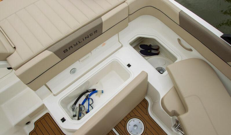 Bayliner VR5 med MerCruiser 4.5L MPI200hk benzin, katalysator, Alpha One full