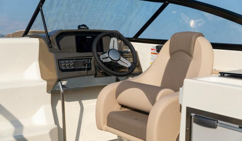 Bayliner VR6 Cuddy med MerCruiser 4.5L MPI 250hk, Alpha One full